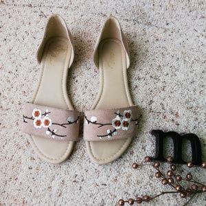 MADELINE STUART 10 tan sandals
